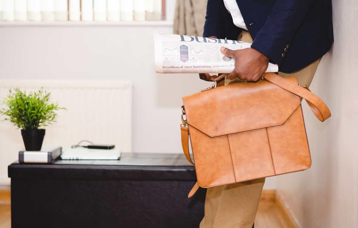 Teczka skórzana, czyli praktyczny gadżet dla eleganckich mężczyzn